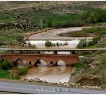 مرمت باردیگر پل صفوی كه به نادرستی در سال ۸۴ بازسازی شده