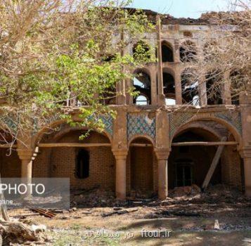 آخر عملیات مرمت كاخ سرهنگ آباد اردستان