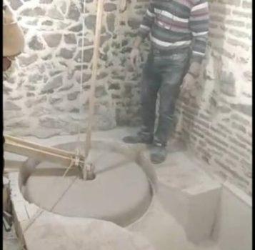 چرخش سنگ های آسیاب آبی خان زواره بعد از ۶۰ سال
